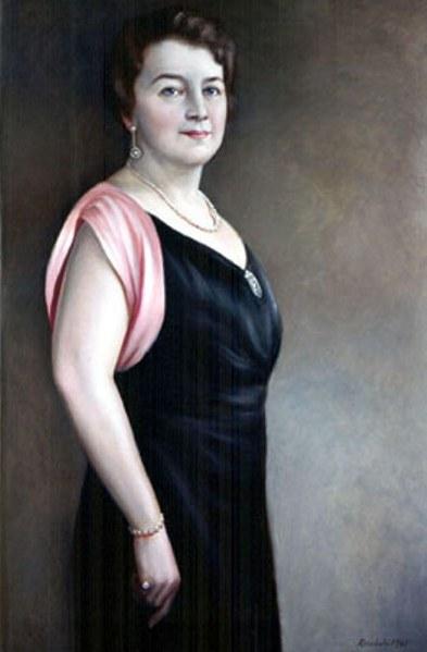 Edna Amos Nice